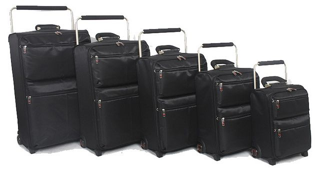 http://airlinepedia.net/lightest-luggage.html The lightest travel luggage suitcases and collections around the world. Consumer reviews of the highest quality types of incredibly lightweight travel luggage suitcases and baggage by actual customers. IT-0-2 Worlds Lightest Luggage Set of 5