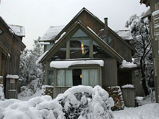 Closest chalet to Friday Flat! Sleeps 5 from $285 per night. #snow #Thredbo