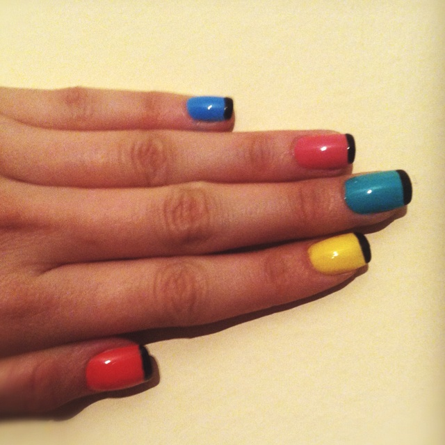 i made my nails:))