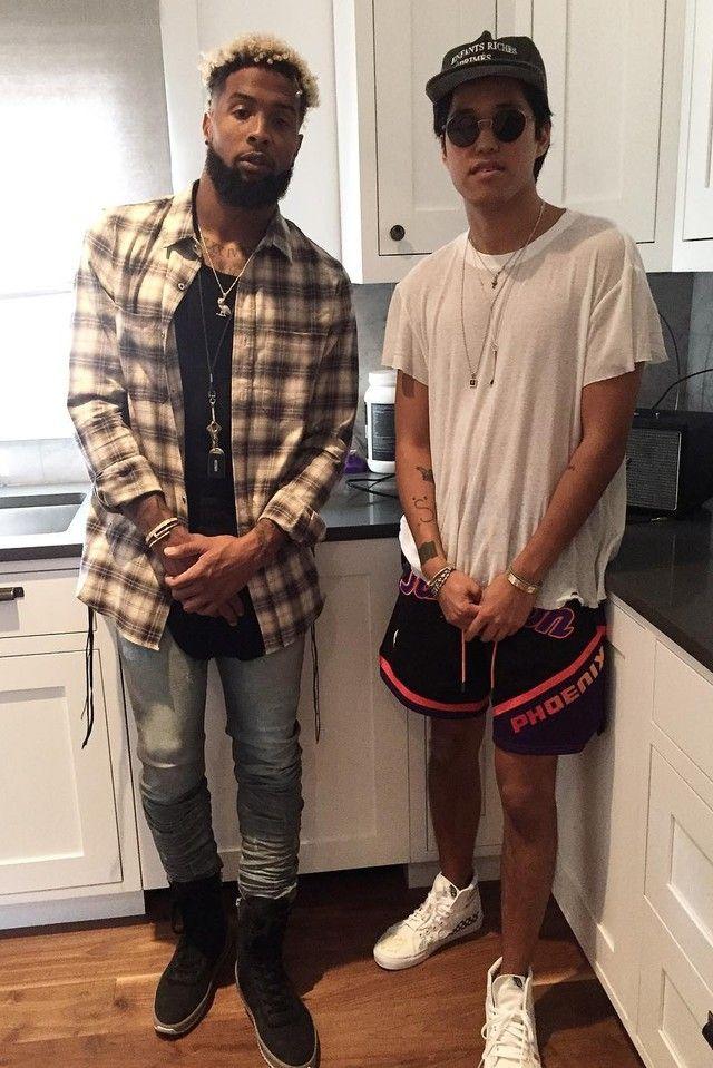 Odell Beckham Jr. - Hangs with a friend