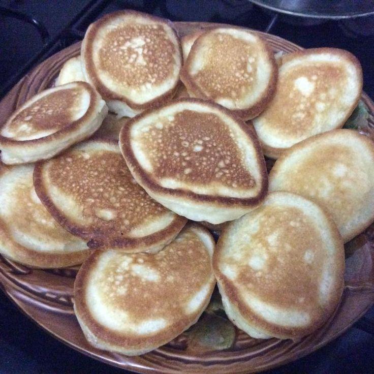 Je vous propose aujourd'hui la fameuse recette russe des Oladis, petites crêpes à base de kéfir idéales pour le petit déjeuner