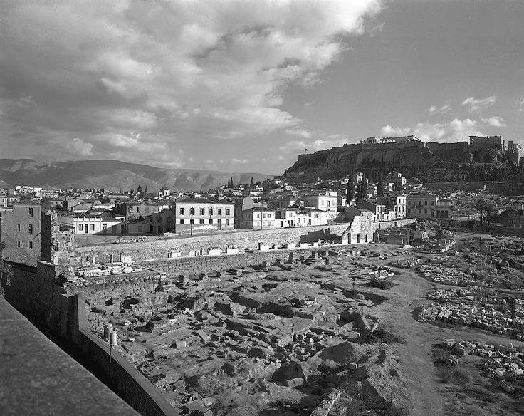 Αθήνα  1952 εργασιες αποκατάστασης στοας Αττάλου