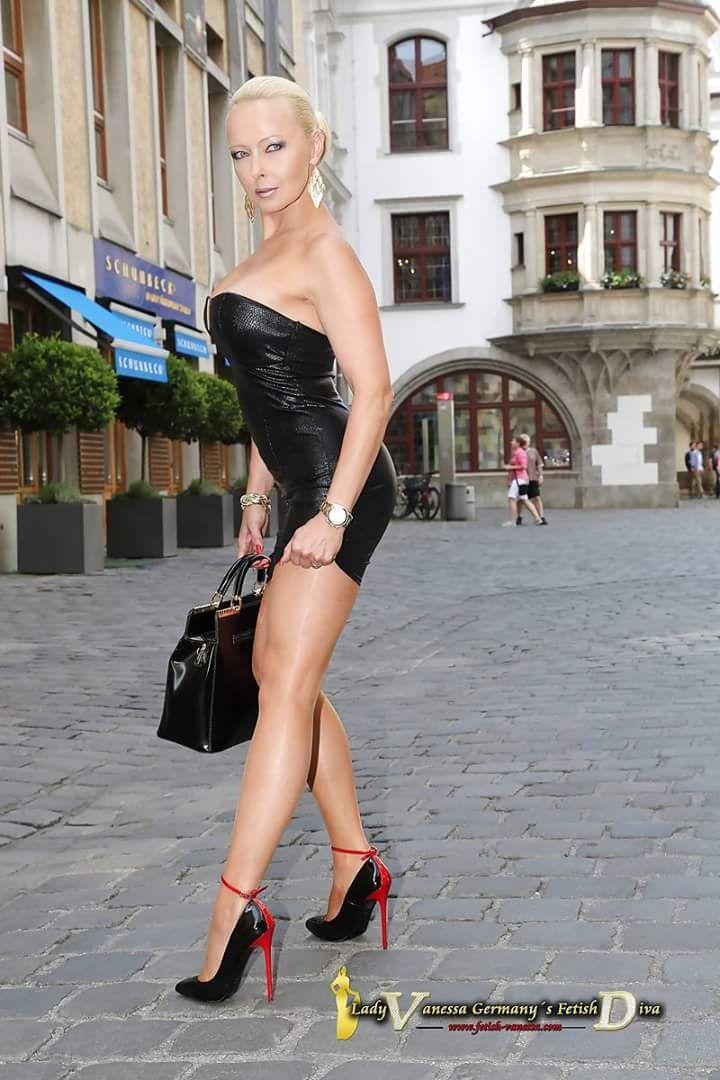 Black Dresses Xxx Pics 20