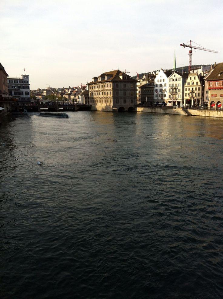 Zurigo, che stavolta non è la scenografia ma c'entra.