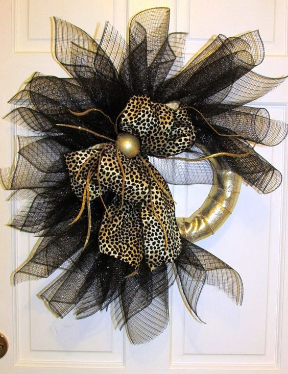 Top 40 Elegant Black And Gold Christmas Decoration Ideas - Christmas Celebrations