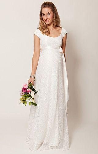 Für unser Umstandsabendkleid Eliza aus Spitze, der Brautversion unseres Bestsellers, haben wir ein herzzerreißend schönes Elfenbein gewählt. Einfach fabelhaft für die Hochzeit im Landhausstil.