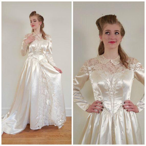 Vintage 1940s Long Sleeved Wedding Dress In Ivory Liquid