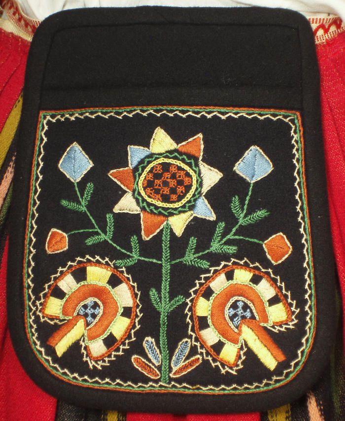 Bag of the Jalasjärvi dress.