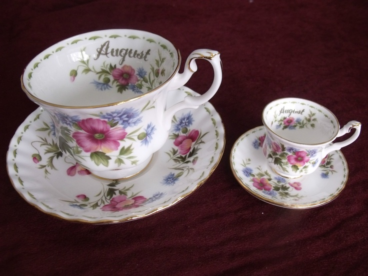 Royal Albert August Poppy 2 Sets Standard And Mini Cup
