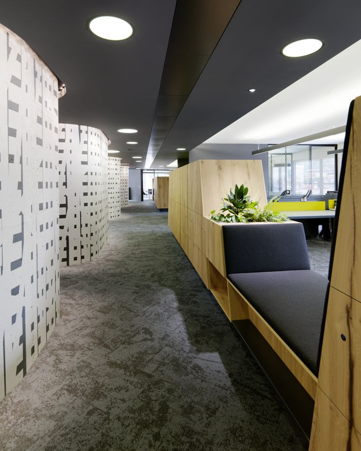 Volksbank Office by Berg und Tal and INNOCAD Architecture - Office Snapshots
