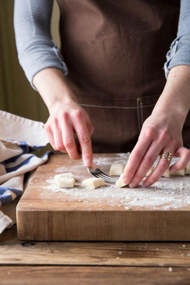 Step by step guide to making homemade gnocchi •theVintageMixer.com