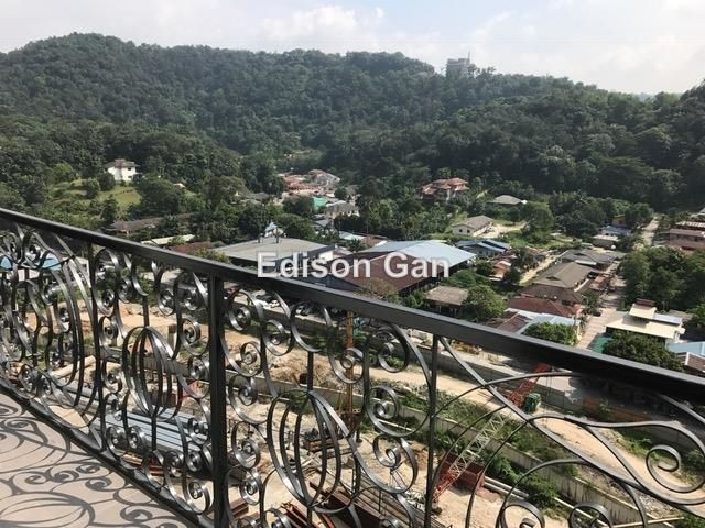Duplex for Rent in Empire City, Petaling Jaya for RM 1,300 by Edison Gan
