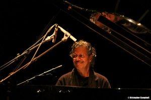 #oggisuona #ChickCorea h 9 p.m. #Pianosolo #TeatroGoldoni #Venice #veneziajazzfestival #jazz Genio, innovatore, unico ed inimitabile