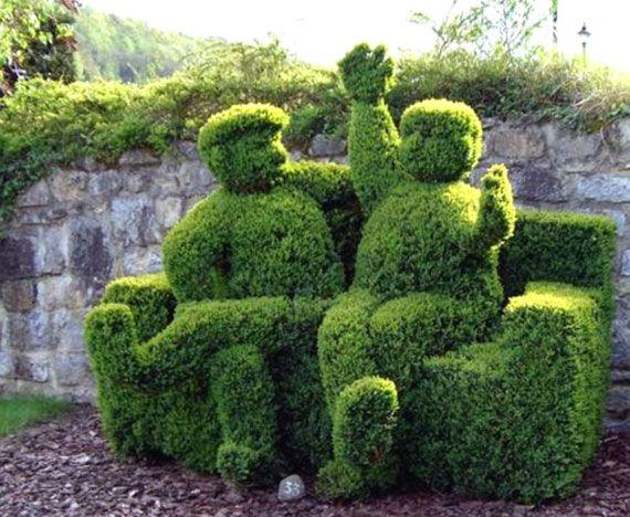 Allpics4u has some great pics of hedge art