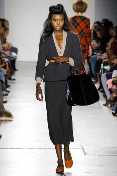 http://www.vogue.com/fashion-shows/fall-2017-ready-to-wear/a-detacher/slideshow/collection