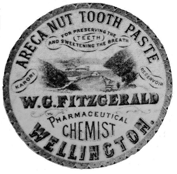 ARECA NUT TOOTH PASTE FOR PRESERVING THE TEETH AND SWEETENING THE BREATH KARORI RESERVOIR W G FITZGERALD PHARMACEUTICAL CHEMIST WELLINGTON CERAMIC POTTERY LID