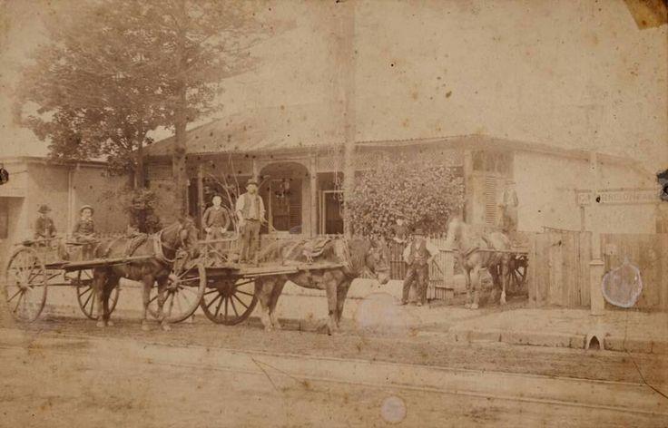 A scene on George St, Parramatta in 1890.