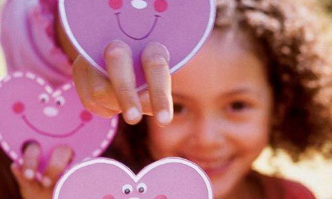 Поделки ко Дню Святого Валентина для детей | Погремушки