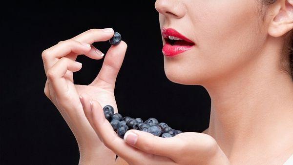 Nastartujte metabolismus borůvkami. Přidejte je do müsli, jogurtu, nebo rozmixujte do ovocného koktejlu.