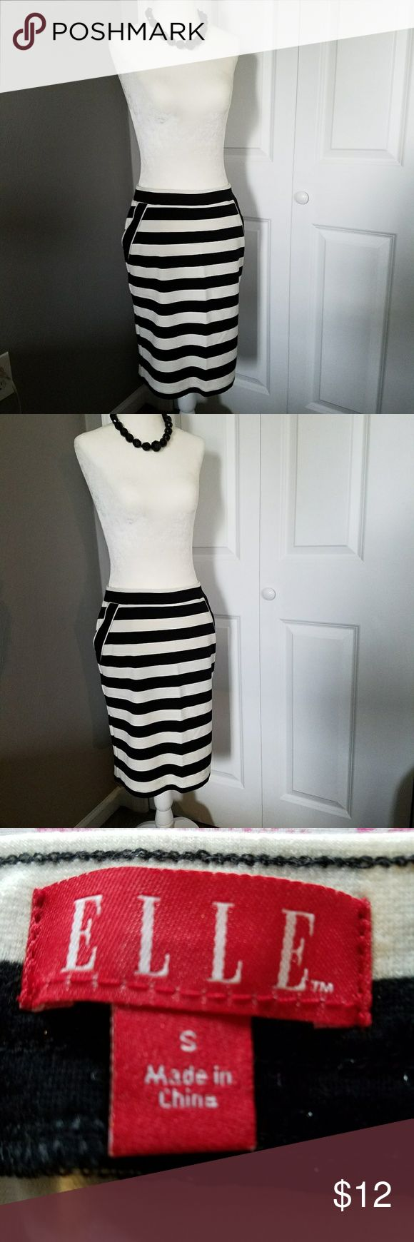 Black & White Striped Pencil Skirt Cute striped pencil skirt to wear to the office or on a dinner date.  Comes to the top of my knee. Elle Skirts Pencil