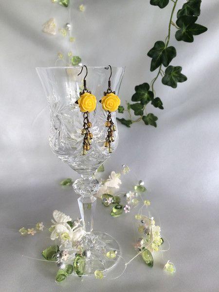 Ohrhänger - Ohrringe gelb Glasschliff Perlen Blumen - ein Designerstück von Katherika bei DaWanda