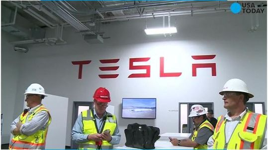 Tesla and Panasonic have firmed up their solar energy manufacturing plans.