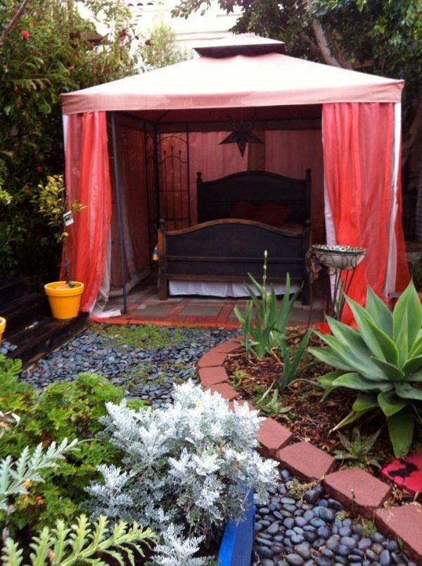 Garden bedroom for romantic nights!