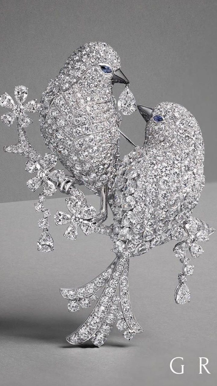 9e4c0340a An Extraordinary New Diamond Bird Brooch takes flight from the GRAFF  workshop. Graff Diamonds…