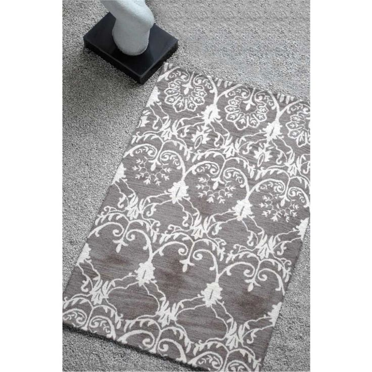 Upcycled Home & Fashion - Handtufted Wool Rug