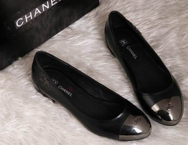 Chanel Ballet Flats with Steel Toes: Obsessed! #Shoes #Ballet_Flats #Steel_Toe #Chanel
