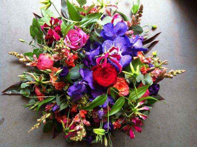 #begrafenis #bloemen #rouwarrangemenet #bloemstuk. Last #bouquet of flowers #funeral by funkyflowers.nl