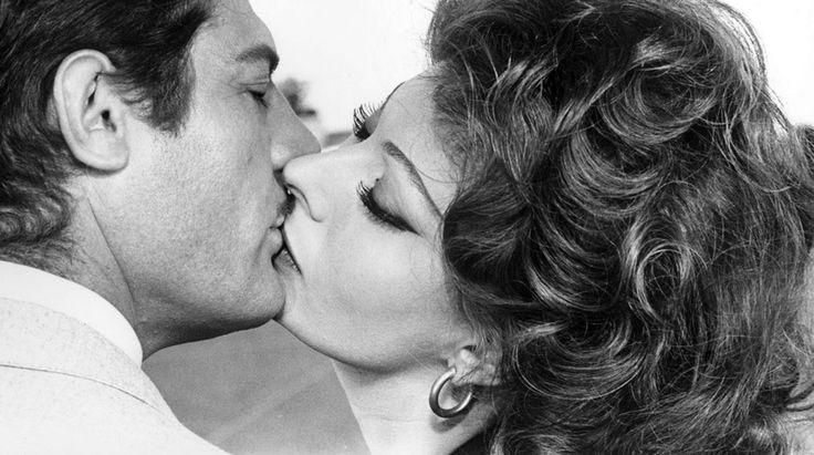 """Sofia Loren & Marcello Mastroianni in """"Marriage Italian Style"""""""