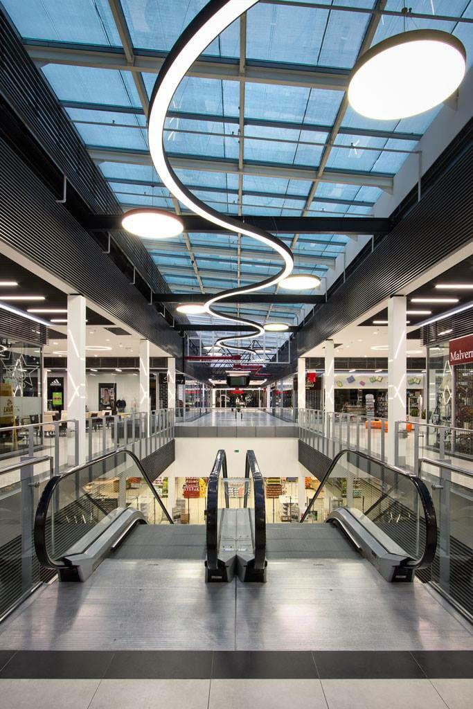 Prolicht armaturen/profielen gebruikt voor dit winkelcentrum