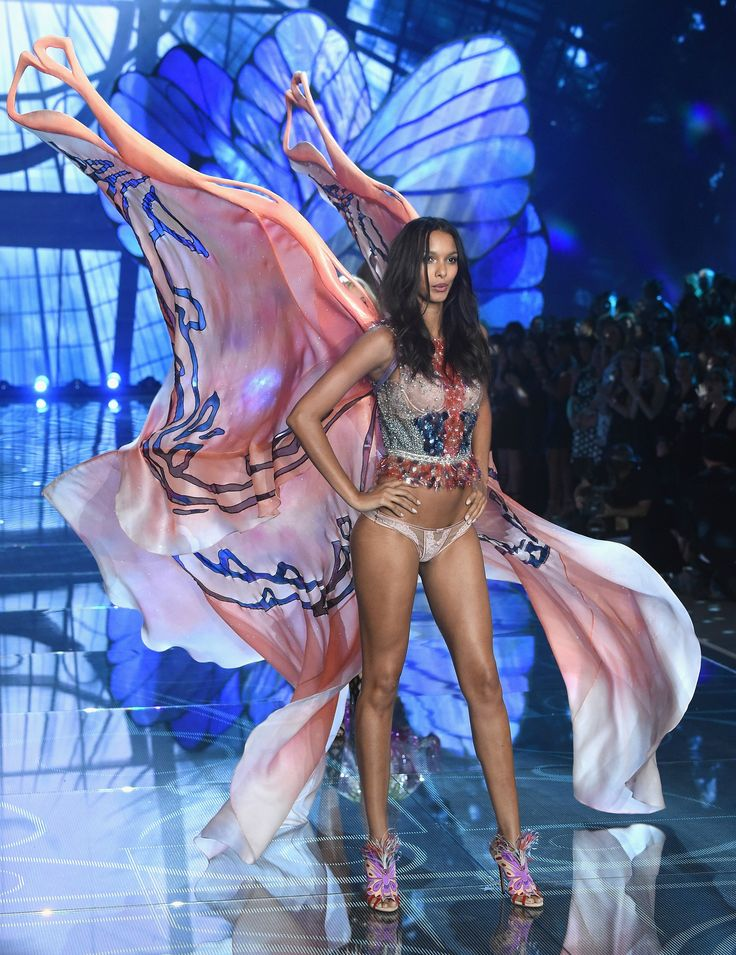 Lais Riberio - Victoria's Secret Fashion Show 2015 | Harper's Bazaar
