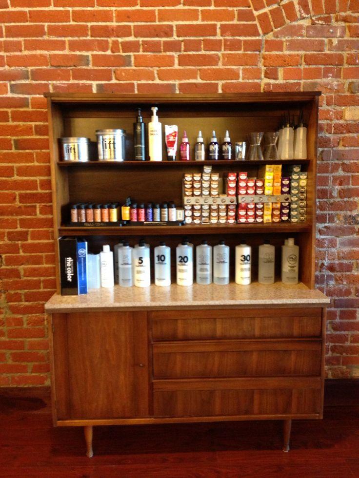 Best 25 salon color bar ideas on pinterest hair studio small hair salon and small salon - Bar salon design ...