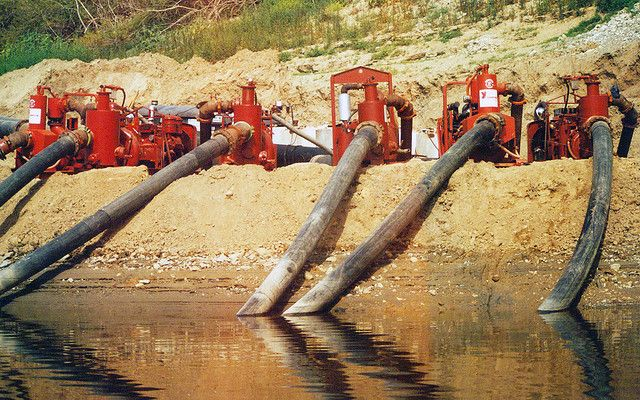 A fleet of Griffin #Dewatering pumps #unwatering Anaheim Lake in southern California.