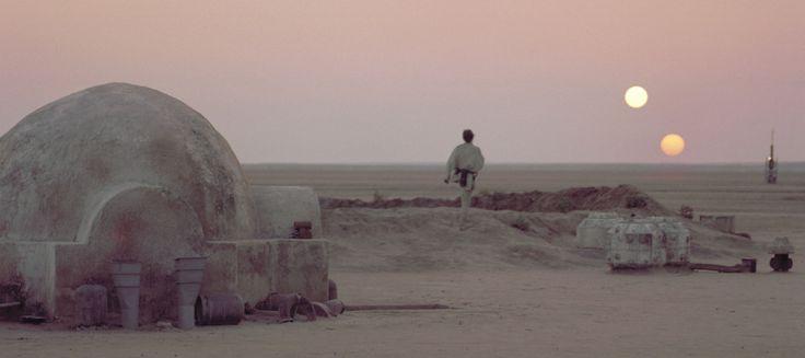Les planètes situées dans un système à deux étoiles, ce n'est pas rare. A chaque fois, on nous fait le coup de «La NASA a découvert une planète semblable à Tatooine !». Car c'est bien connu, seule Tatooine peut avoir deux soleils.