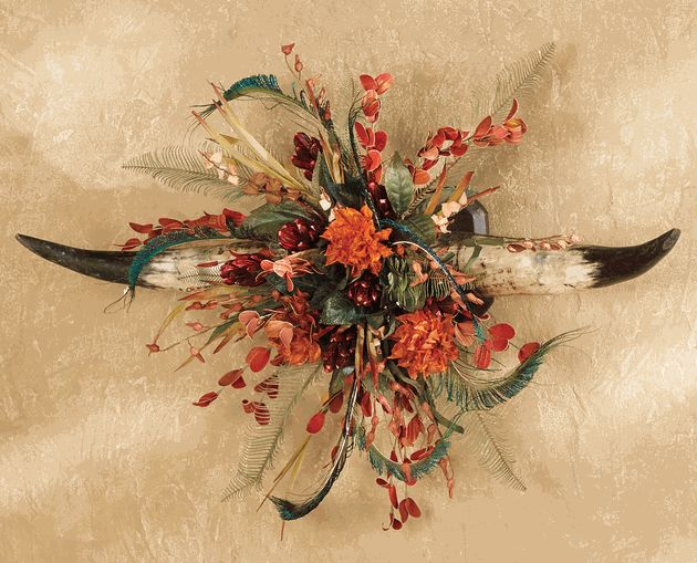 Cow Horn Floral Wall Hanging- lonestarwesterndecor.com. I want this for the dining room