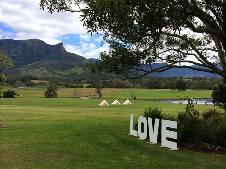 Glamping Days Hire Company [Gold Coast] aims to make outdoor holiday experiences available to everyone. Our goal is to create a personalized and unique outdoor experience for you and your wedding party.
