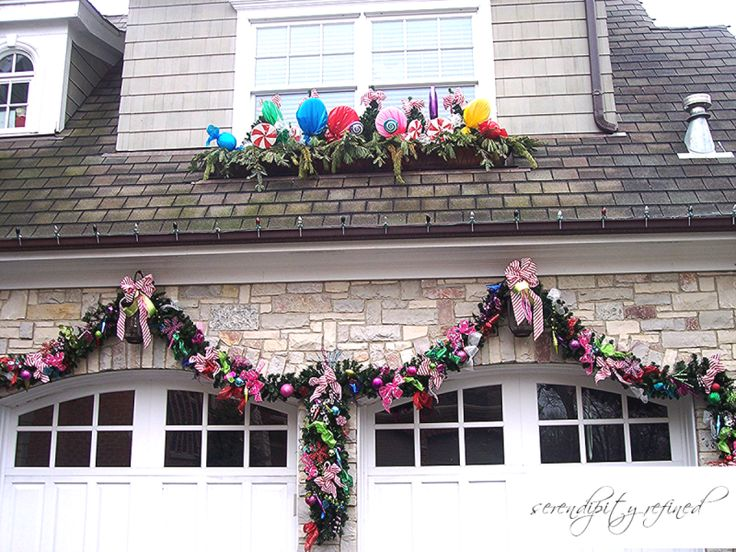 17 best outdoor small front yard christmas decor images on for Christmas front yard ideas