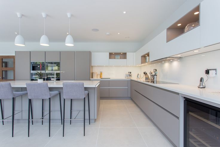 Nolte Handleless Kitchen in Soft Lac White and Lava