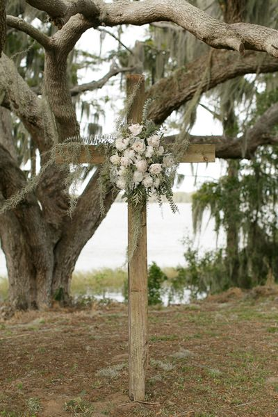 Cozy Winter Wedding Inspiration from Bumby Photography and Mobella Events - Southern Weddings