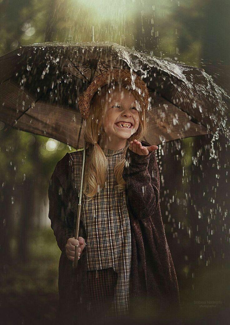 фотосессия под дождем идеи открывается красивый