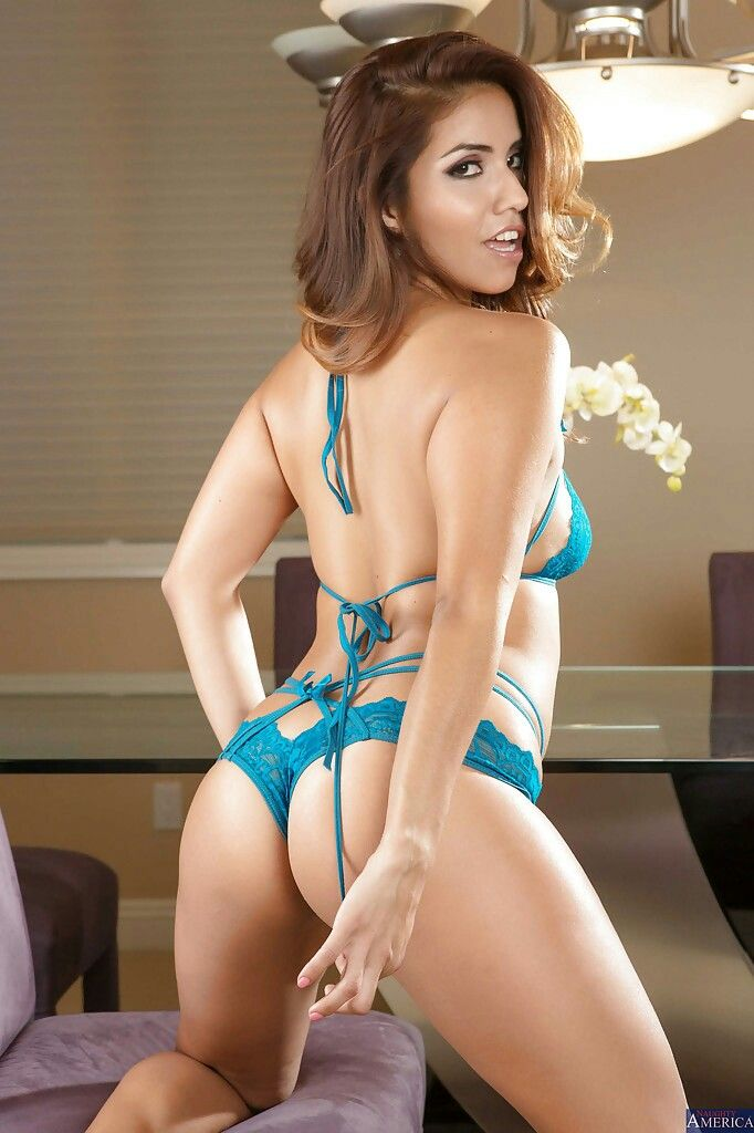 isabella de santos bikini