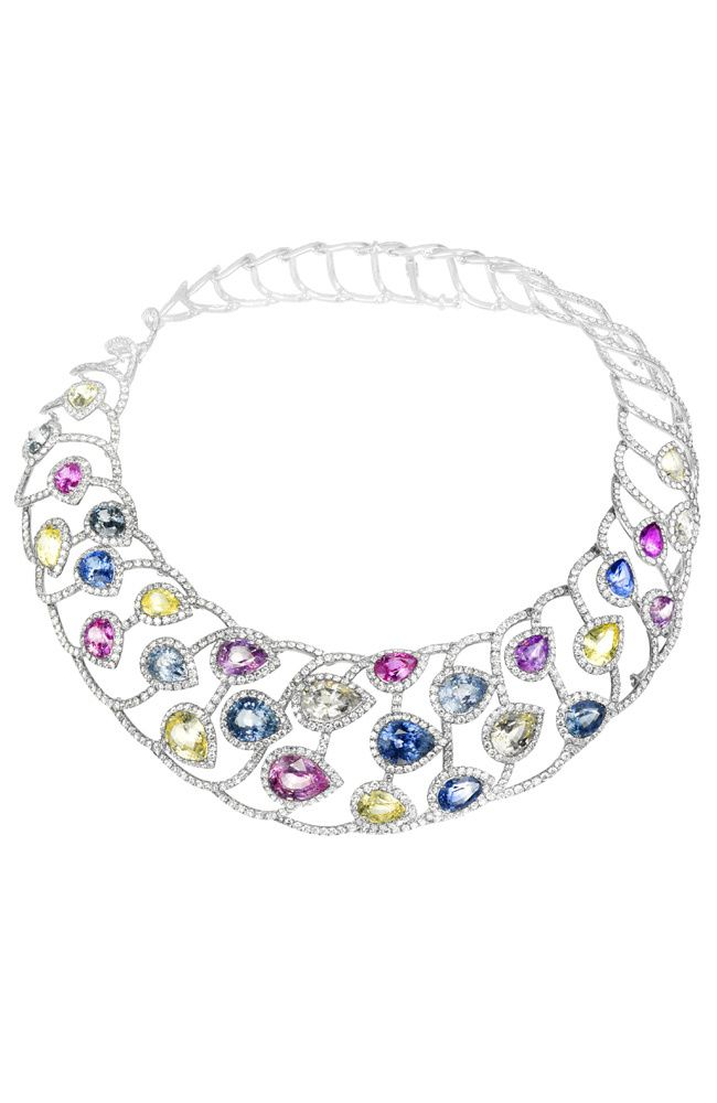 Collier composé de 84 carats de saphirs multicolores taille poire et 3 carats de diamants taille brillant, de Chopard . PHOTO: © CHOPARD