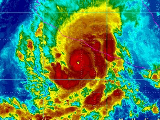 Powerful Hurricane Raymond nears Mexico Hurricane Raymond strengthened to a Category 3 storm early Monday and threatened to hurl heavy new rains onto a sodden region of Mexico's Pacific Coast already devastated by last month's Tropical Storm Manuel.  http://www.usatoday.com/story/weather/2013/10/21/hurricane-raymond-mexico/3142927/