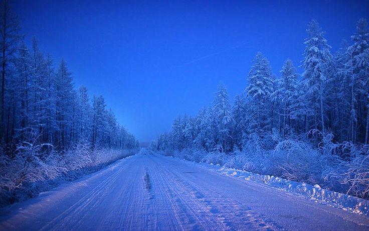 Singurul drum din Oymyakon, (Rusia) numit Drumul Oaselor. Orașul Oymyakon, din Rusia, este cunoscut sub numele de Polul Frigului, cea mai scăzută temperatură înregistrată vreodata fiind de -96.16 grade Celsius, în 1933