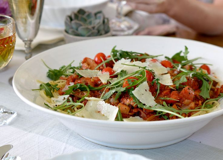 This summer pasta is light and delicious, ideal for lazy Sunday lunches. Get the recipe here.