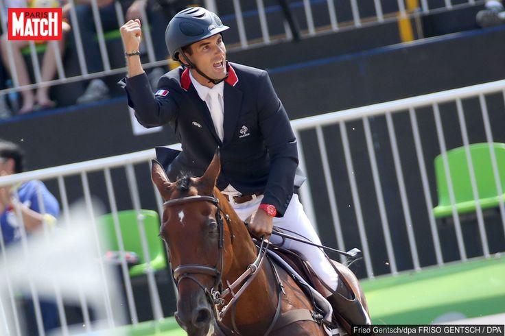 Le Français Astier Nicolas a remporté la médaille d'argent dans le concours complet d'équitation en individuel mardi.