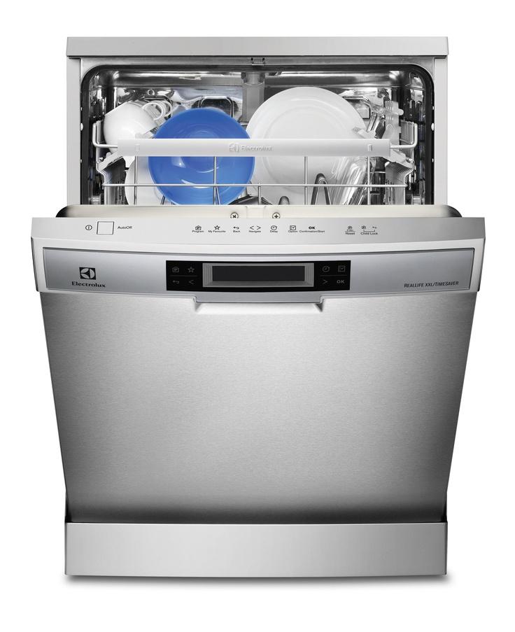 Devo questa lavastoviglie perchè sono troppo pigro lavare i piatti a mano.